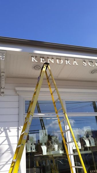 Brass Cleaning for the Baton Rouge, LA Kendra Scott Sign (1)
