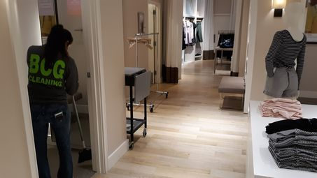 Retail Cleaning at New Orleans LOFT Outlet (3)