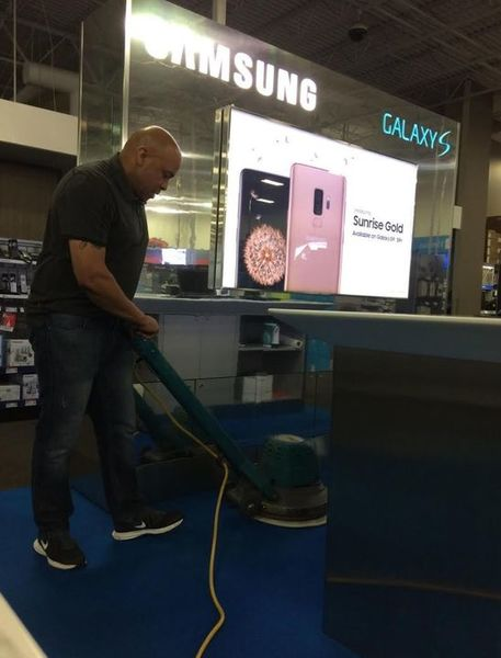 Janitorial Services in Metairie, LA at Samsung Store (1)
